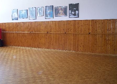 A Calenzano disponiamo di tre sale attrezzate per le lezioni di danza